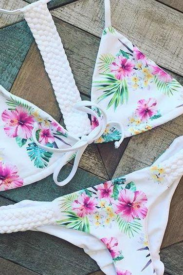 V-Neck Weave Floral Bikini Swimsuit Swimwear 36636IF